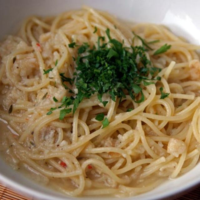 Spaghetti with Thyme-Chile Celeriac Puree