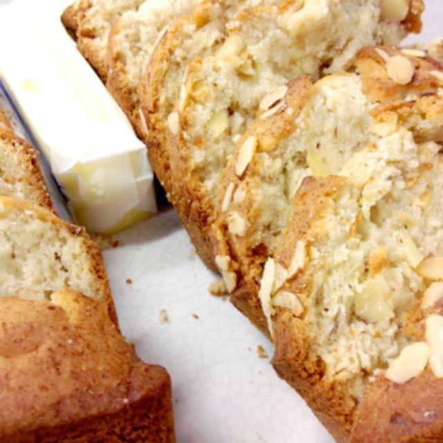 Super Moist Super Easy Banana Bread - Oamc