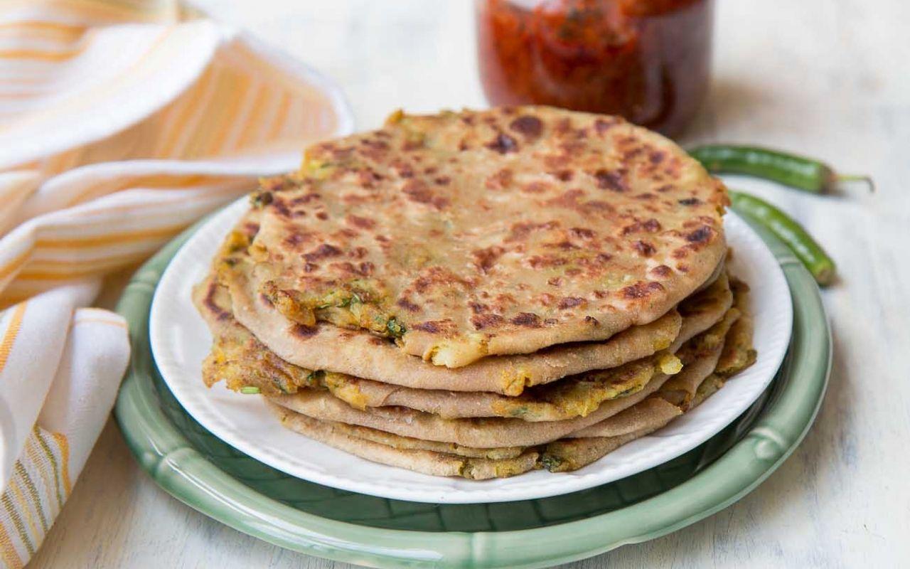 Aloo paratha spiced indian potato flatbread recipe 125922 aloo paratha spiced indian potato flatbread forumfinder Choice Image