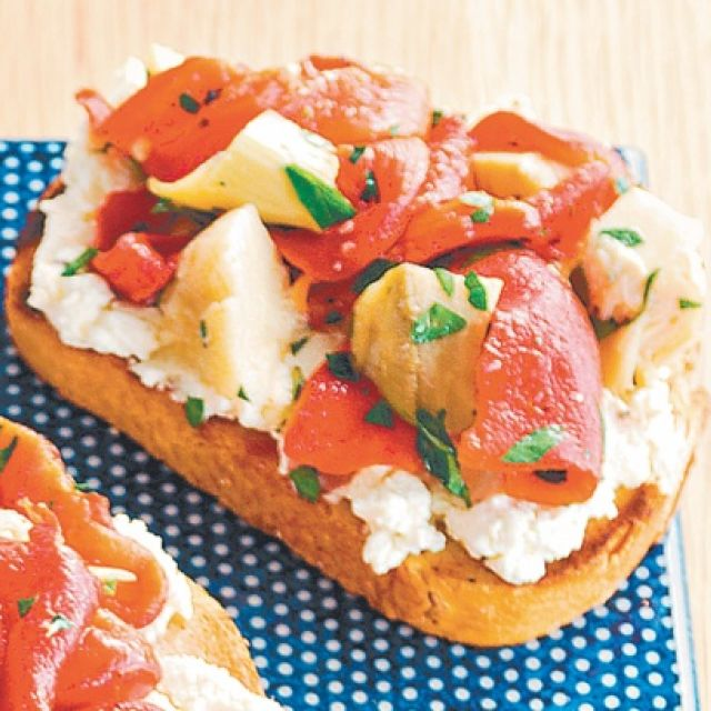 Bruschetta with Ricotta, Grilled Capsicum and Artichoke Topping