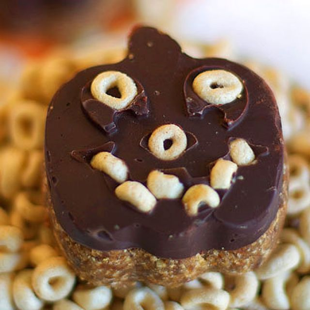 Cheerios and Chocolate Halloween Treats