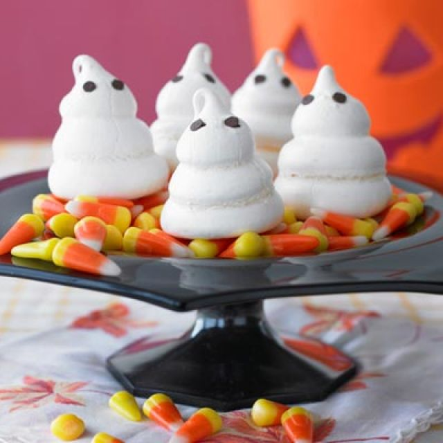 Ghostly Halloween Meringues