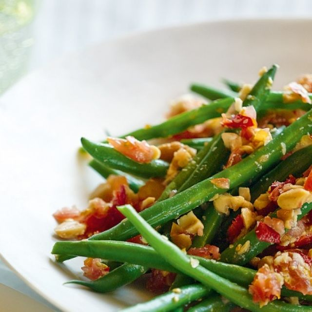 Green Bean Salad with Spicy Thai Dressing