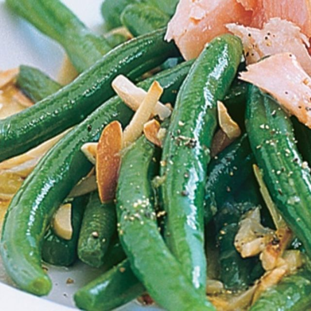 Green Beans with Almond and Lemon Dressing