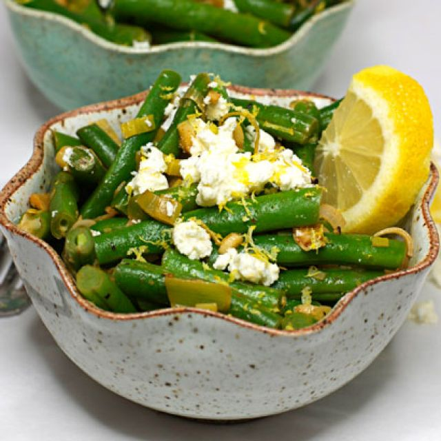 Green Beans with Leeks and Feta