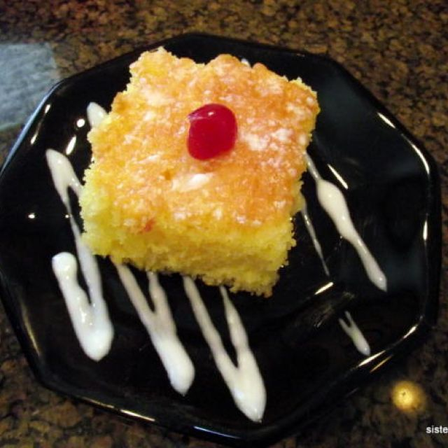 Linda's Luscious Lemon Cake