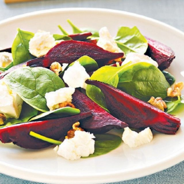 Roasted Beet, Spinach and Goat's Cheese Salad