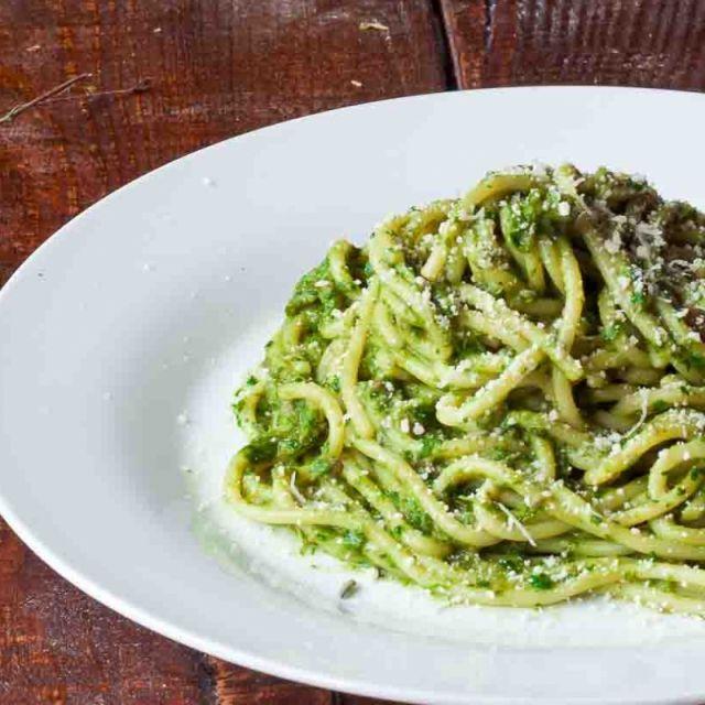 Spaghetti in Creamy Spinach Sauce