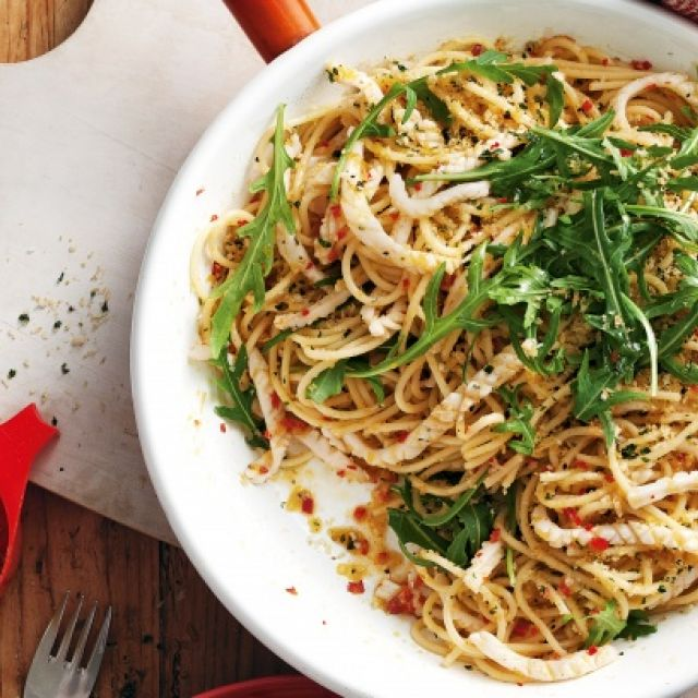 Spaghetti with Calamari, Chili and Parsley Crumbs