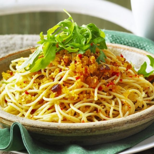Spaghetti with Crispy Garlic and Chili Crumbs
