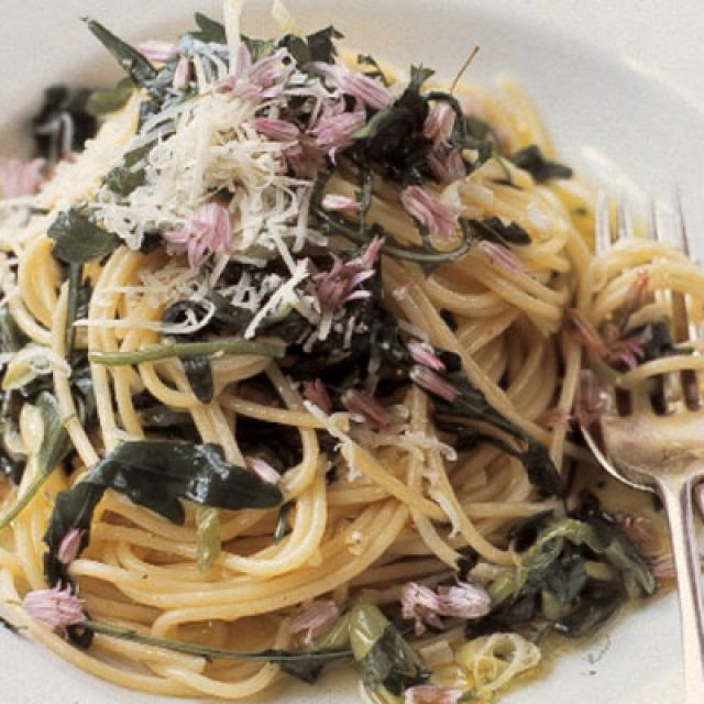 Spaghetti with Wild Garlic and Herbs