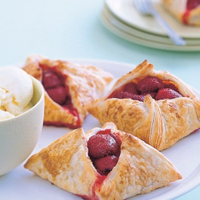 Strawberry Tarts with Ice-Cream