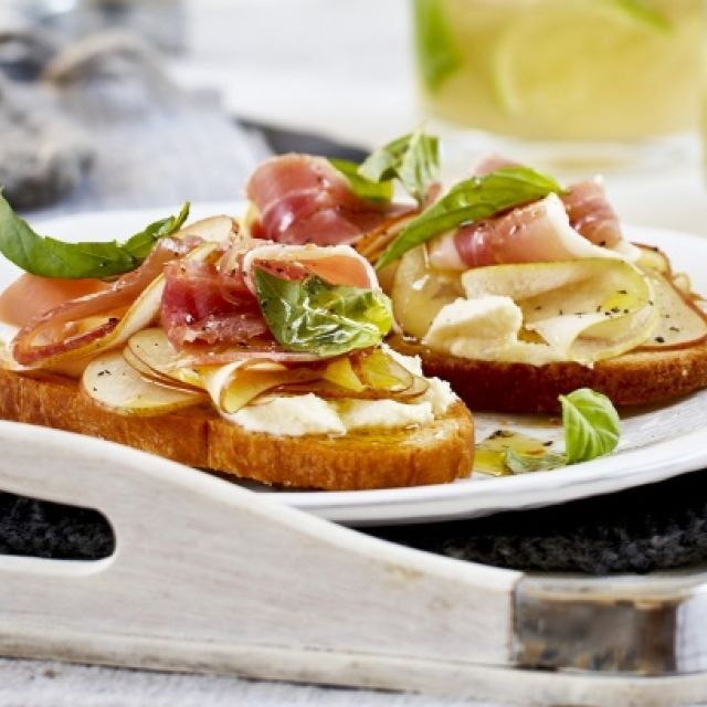 Bruschetta with Ricotta, Pear and Proscuitto