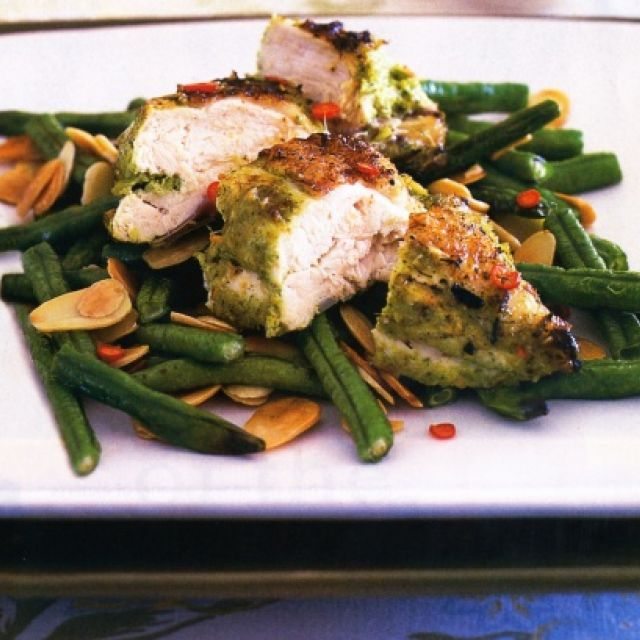 Chicken with Lemongrass Paste and Stir-Fried Snake Beans