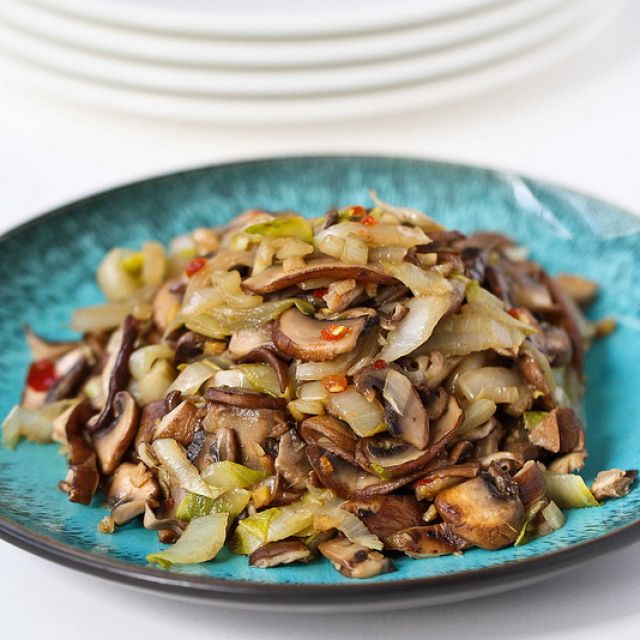 Vegetable Stir-Fry  with Endive and Shiitake Mushrooms