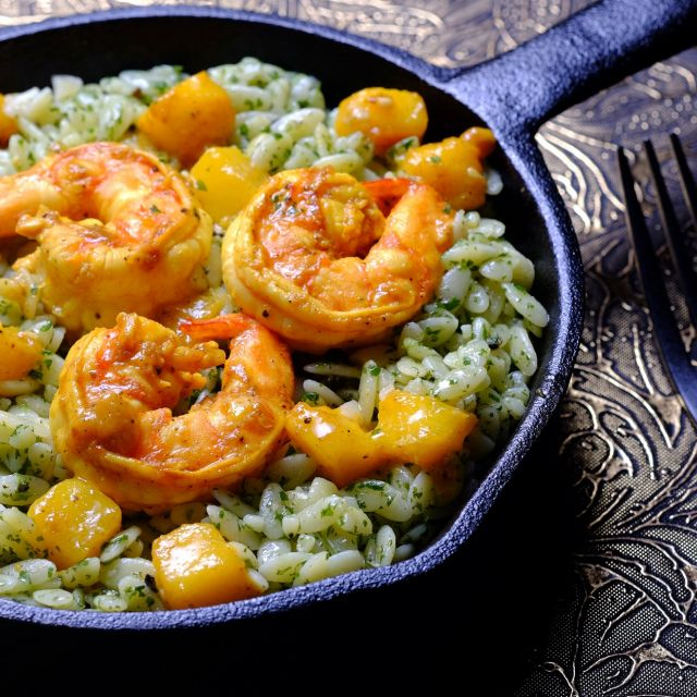 Pesto Risoni with Mango-Curry Shrimps