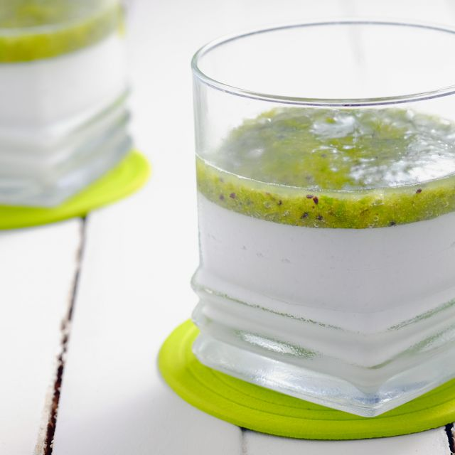 Coconut Panna Cotta with Kiwi-Mint Coulis