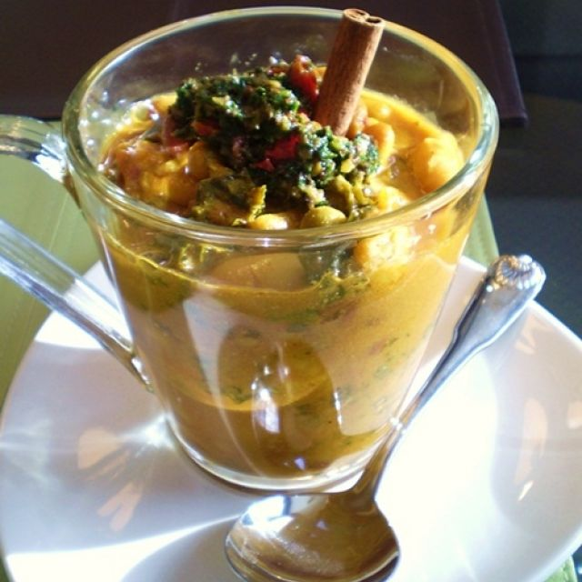 Vegan Moroccan Soup with White Beans and Kale