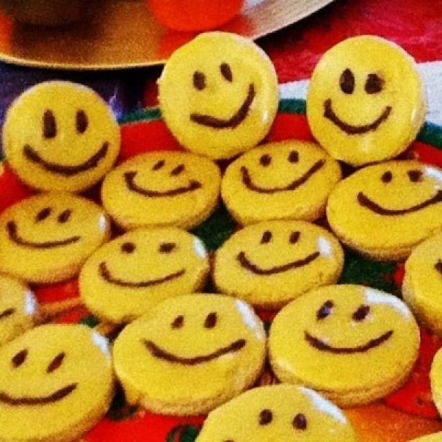 Vegan Sugar Cookies with Perfect Icing