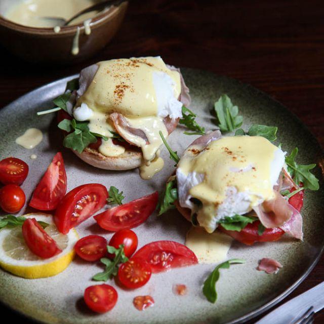 Arugula and Prosciutto Egg Benedict