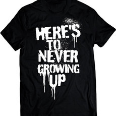 Avril Lavigne Heres To Never Growing Up (Camiseta e BabyLook)