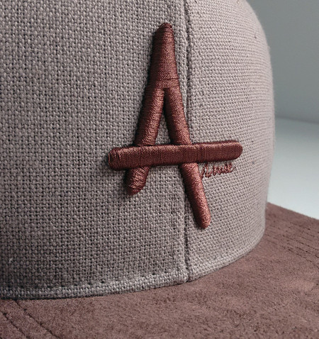 Boné Strapback CAnvas