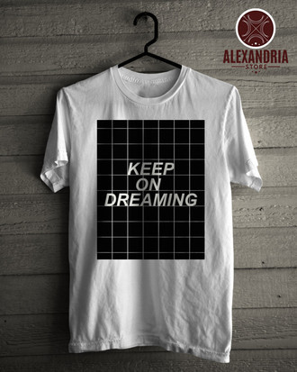 Camiseta Keep On Dreaming