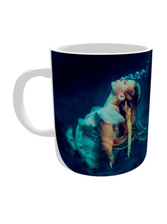 Caneca Avril Lavigne Head Above Water