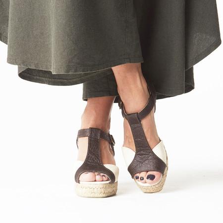 aa9e768e3f Anabela Abacaxi Tira Marrom - Kasulo - Sapatos sustentáveis