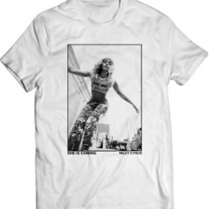 Miley Cyrus She Is Coming (Camiseta Unissex)