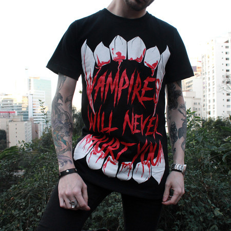 Camiseta - Vampires Will Never Hurt You