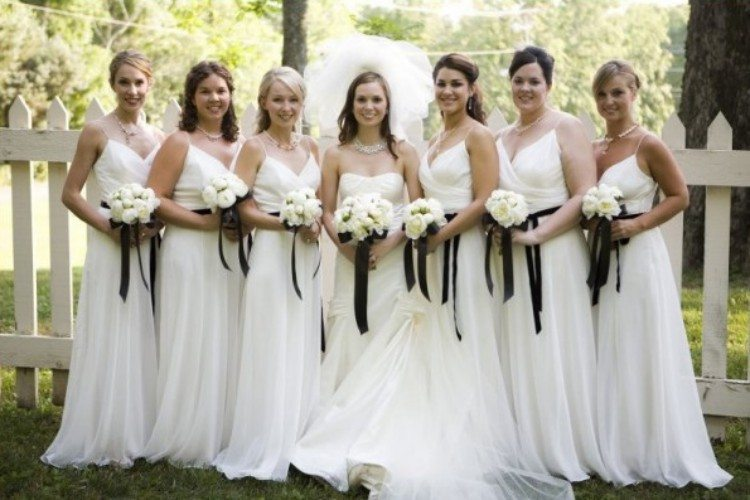 The Creepy Reason Bridesmaids Wear The Same Dress