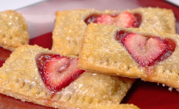 Strawberry Heart Pop Tarts