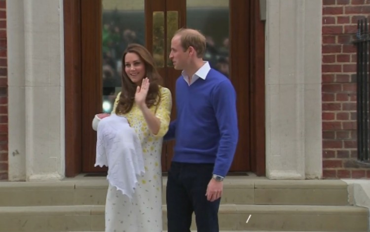 Kate and Will pose with their newborn.