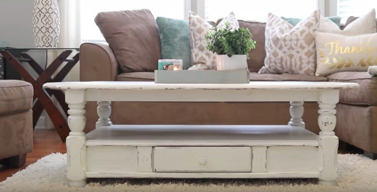 How A Bit Of Chalk Paint Spruced Up This Outdated Coffee Table