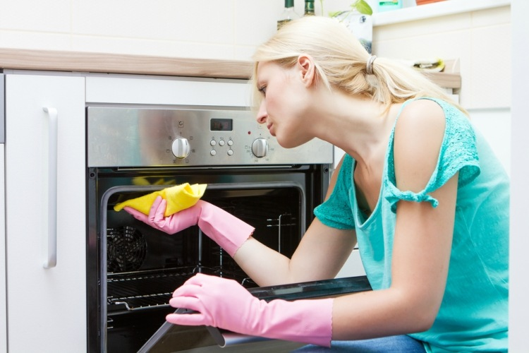 cleaning-oven
