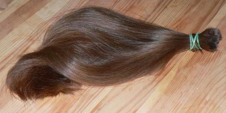Image of hair on floor.