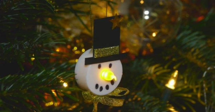 How To Turn Tea Lights Into Adorable Snowmen Decor
