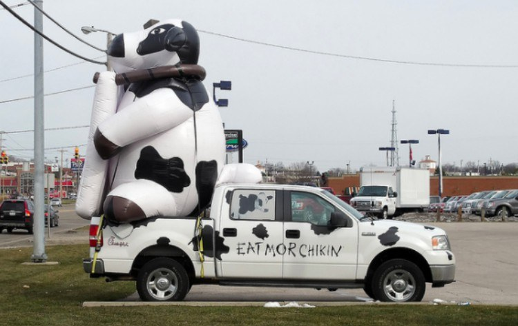 chick-fil-a cow truck
