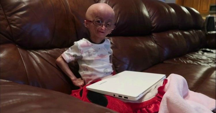 Image of Adalia Rose on couch.