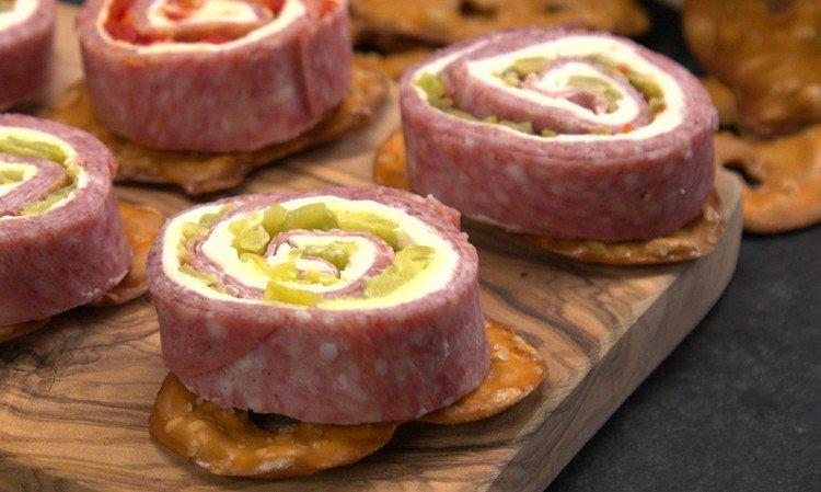 Salami & Cream Cheese Roll-Ups Featured