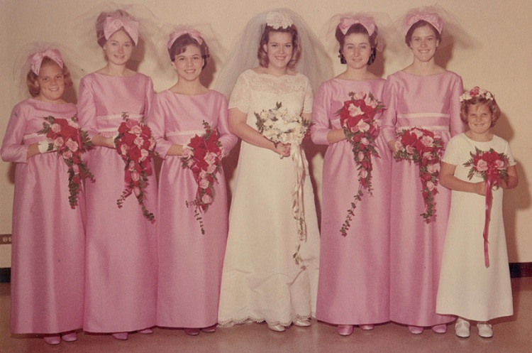 bridesmaids pinkveils