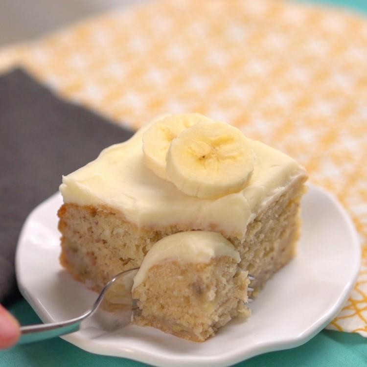 Delightful Banana Cake Thumbnail 1