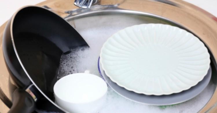 washing pans