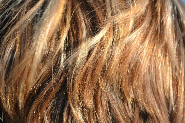 Image of layered hair.