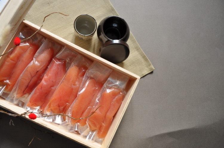 Image of vacuum-sealed frozen fish.