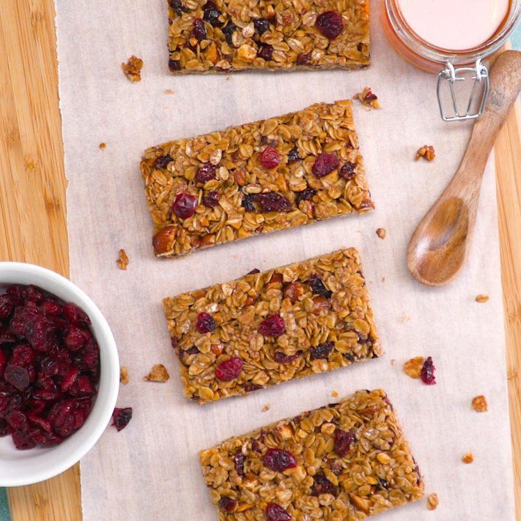 Crunchy Homemade Granola Bars