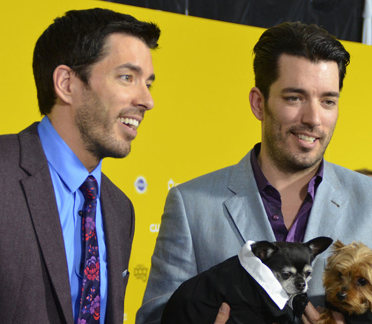Image of Jonathan and Drew Scott