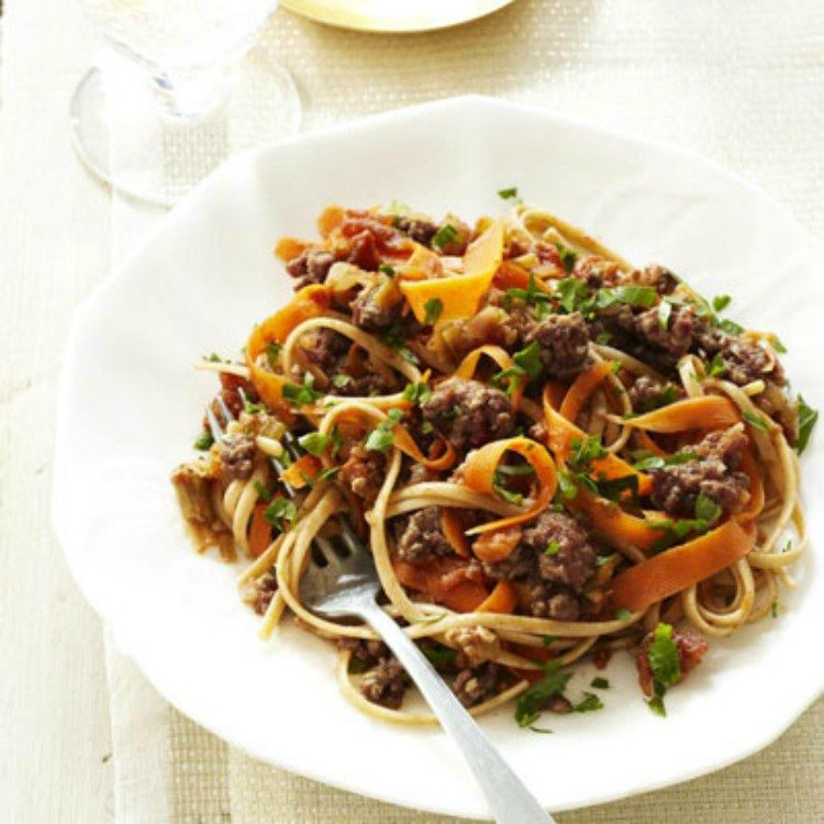 Linguine with turkey-carrot sauce
