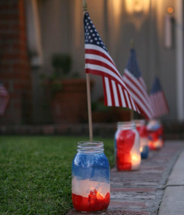 15 Ways To Decorate For The 4th Of July With Mason Jars